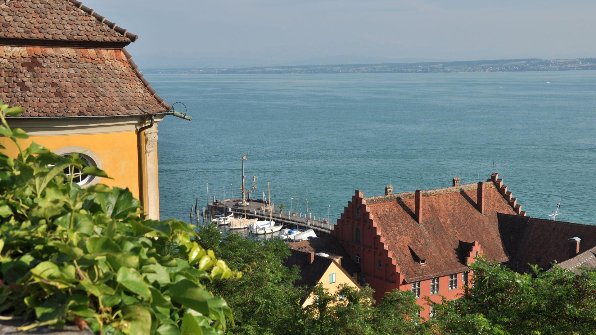 Blick vom Schloss Meersburg auf Bodensee