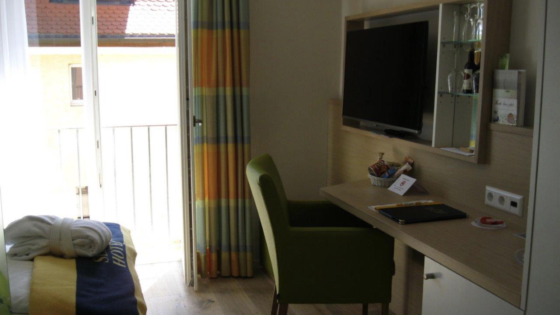 Einzelzimmer mit französischem Balkon