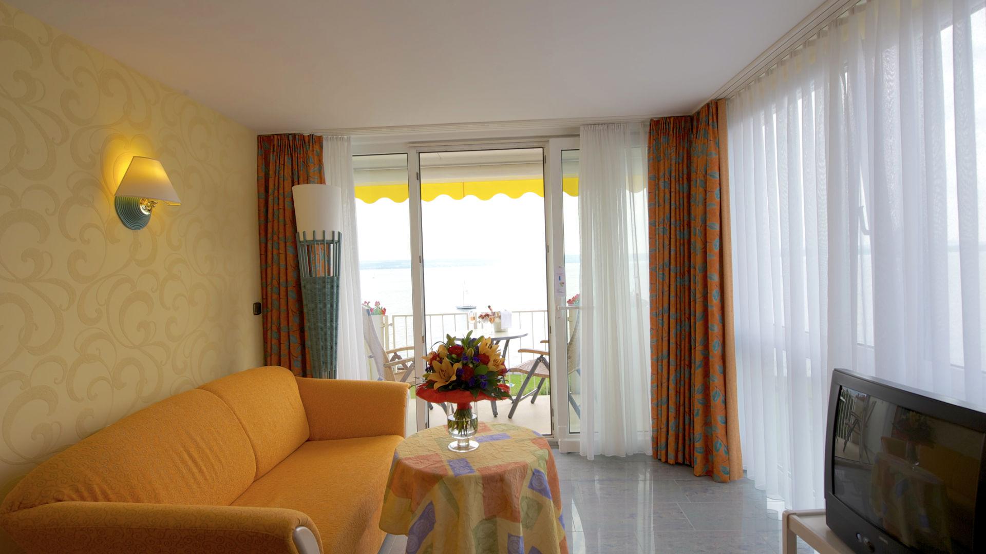 Feng Shui Suite Wohnbereich mit Blick auf den Bodensee
