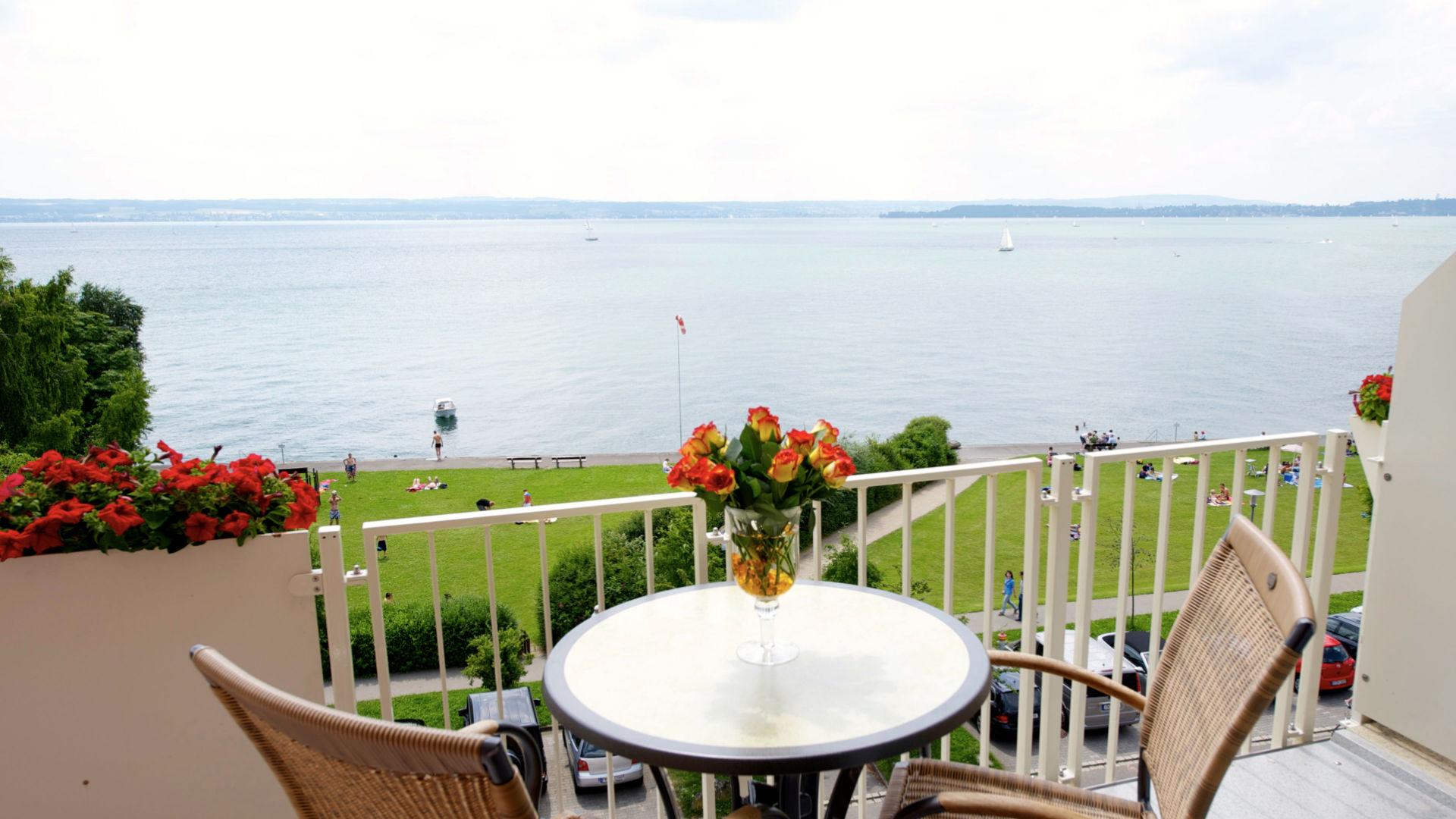 Blick vom Balkon der Juniorsuite des See Hotel Off auf den Bodensee